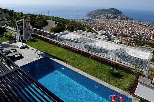 Casa Villa with Pool, Garden and Seaview in Bektas, Alanya