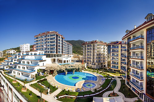 WORLD Residence with Pool, Garden and Seaview in Ciplakli, Alanya
