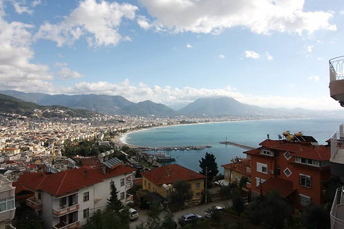 5+1 Villa with Pool, Garden and Seaview in Alanya City Center