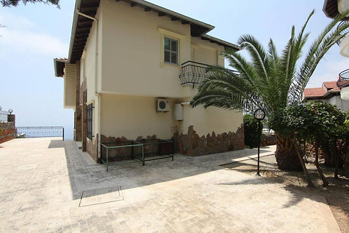 Villa with Pool, Sauna, Garden and Seaview in Bektas, Alanya