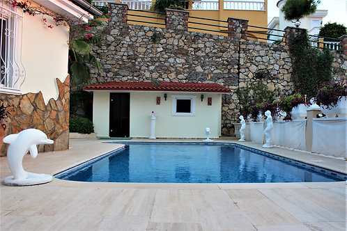 Villa with Pool, Garden and Seaview in Kargicak, Alanya