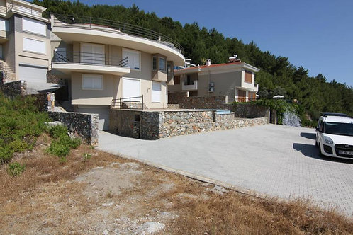 2 Villa with Pool, Garden and Seaview in Bektas, Alanya