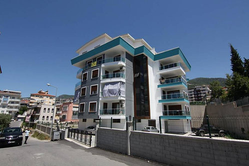 4+1 Apartment with Pool and Seaview in Center of Alanya