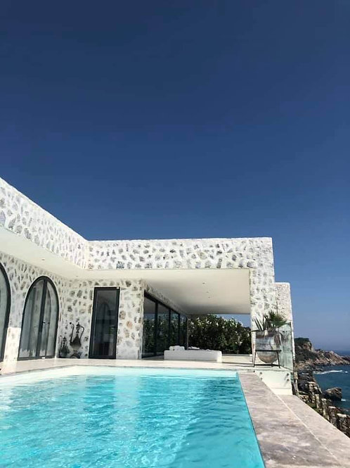 4+1 Villa with private Beach directly on the sea in Alanya