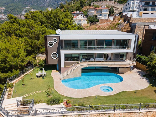 6+1 Villa with Pool, Garden and Seaview in Bektas, Alanya