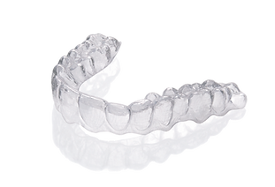clear_aligners.png