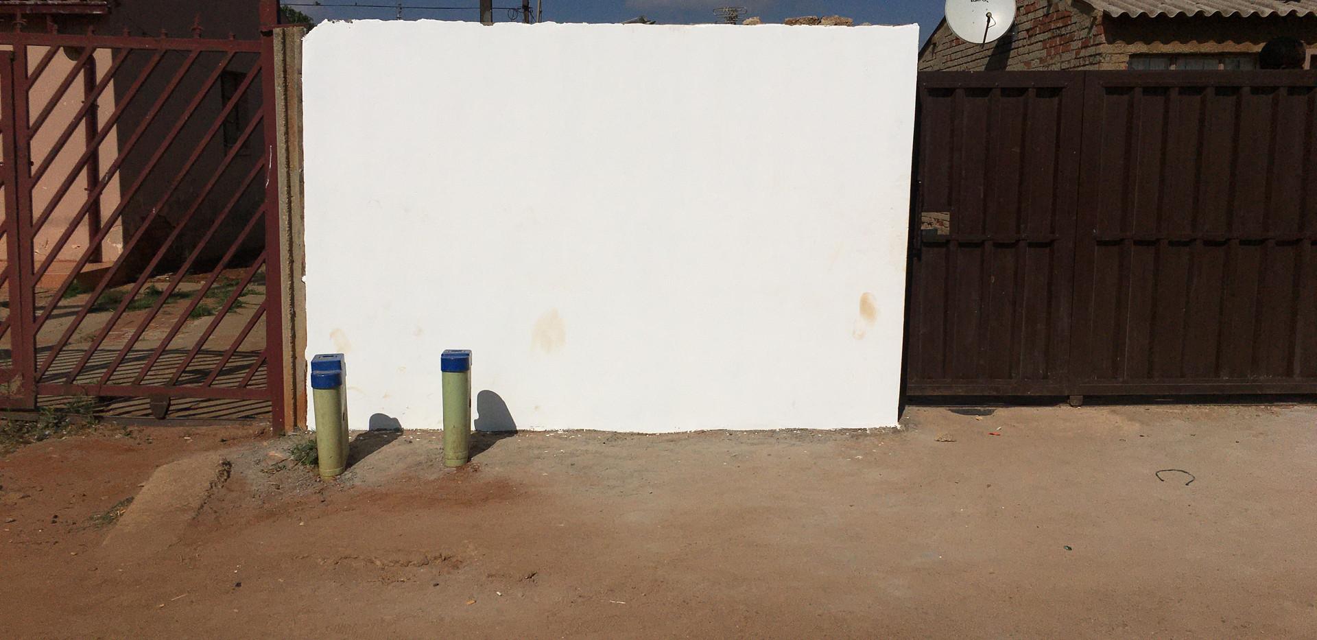 1058 Mocke Street Daveyton - small wall.