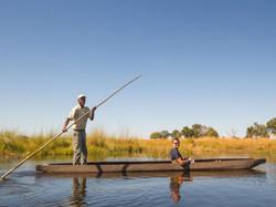 Botswana_safari_mokoro