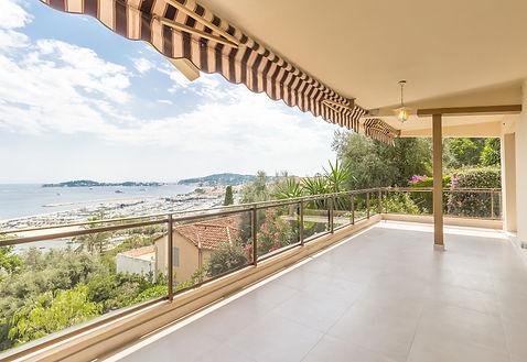 BEAULIEU SUR MER  Appartement 3 pièces, de 71 m2  Prix de vente : 1 030 000,00 €