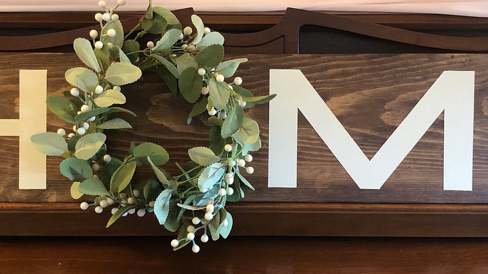 Home sign with interchangeable wreath