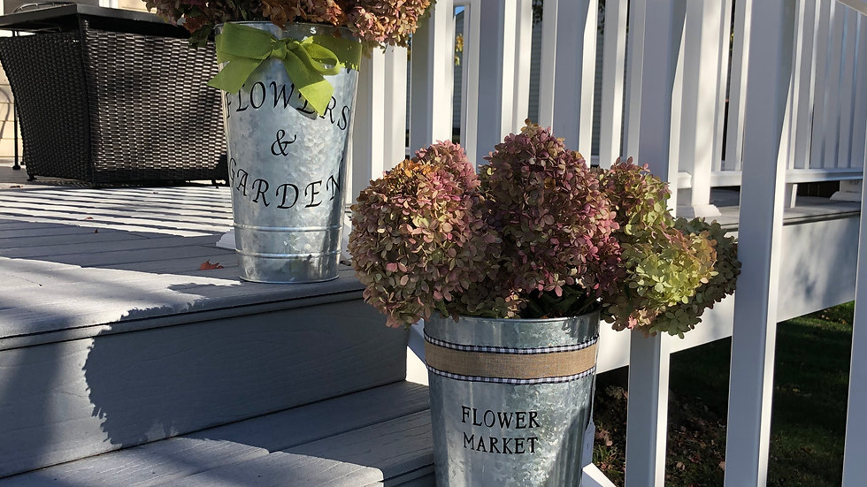 Flower tin containers (hydrangeas optional)