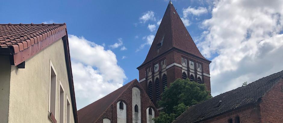 Zegar na wieży kościoła