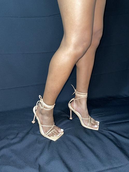 Lola - Nude
