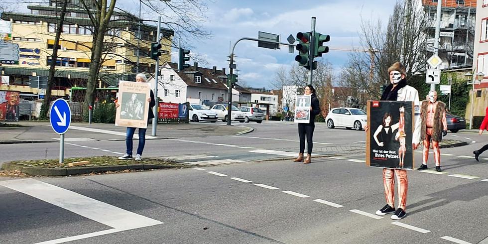 """Ampelaktion zum Thema """"Pelz"""" in Offenburg"""
