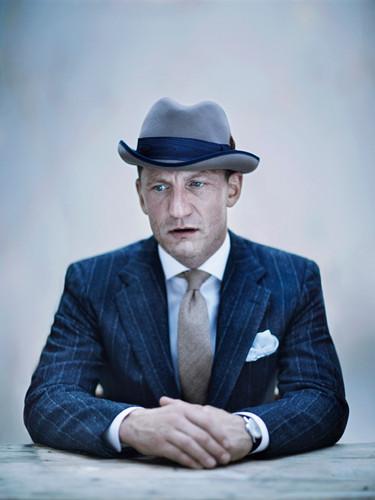 BERGDORF-GOODMAN-striped-suit-hat-style
