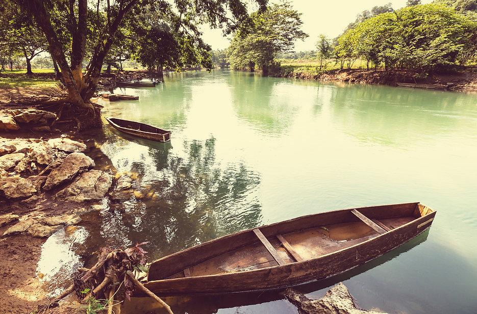 river-in-guatemala-P7YHSXD.jpg