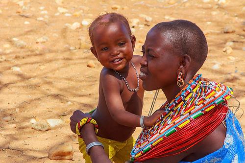 happy-samburu-child-with-his-mother-nomi