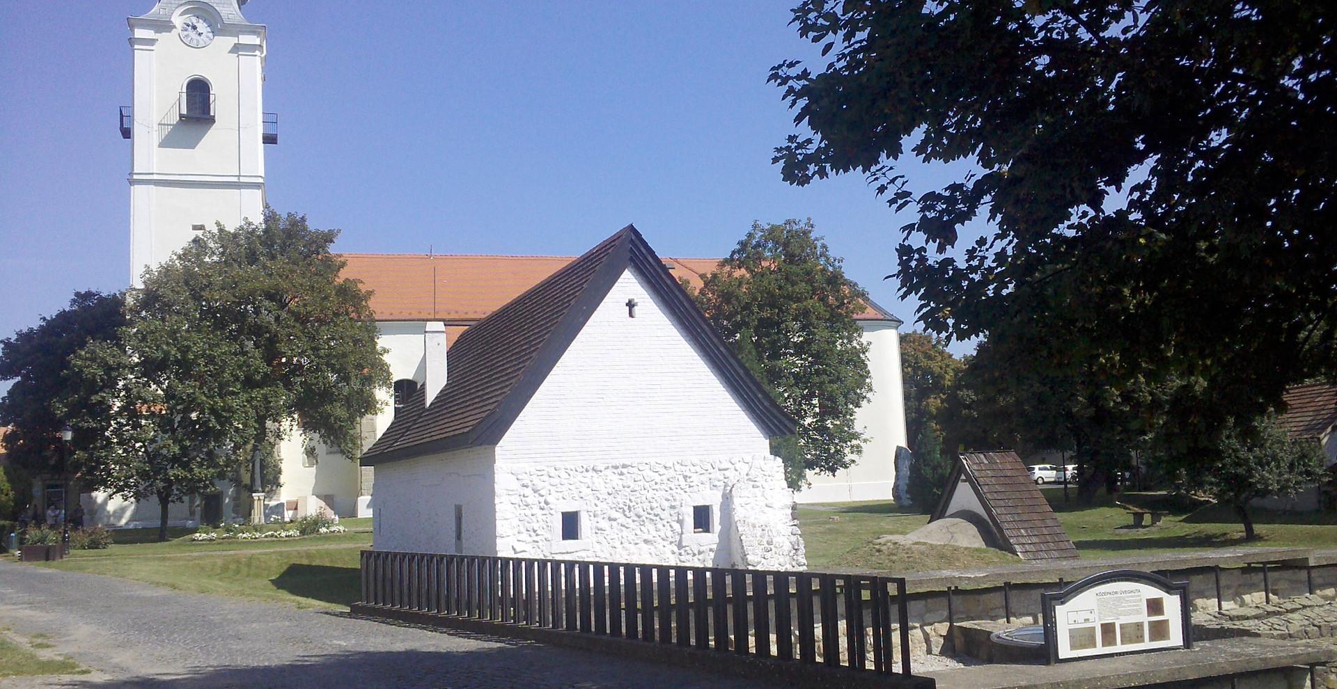 Pásztó, Templom
