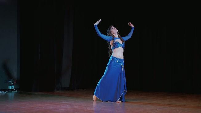 sandra roget bleu belly dance.jpg