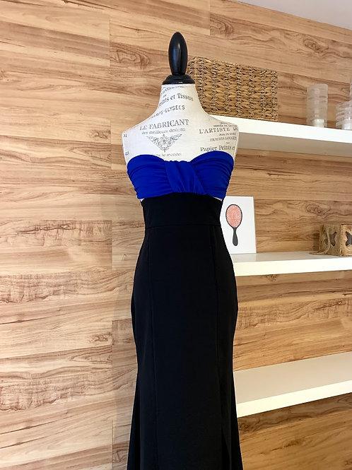 Robe longue bleue et noire avec fente sur la cuisse