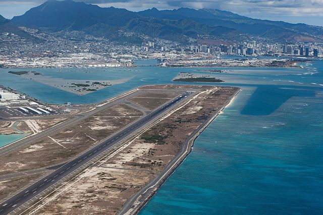 HNL Runway 8R, also known as _reef runway_