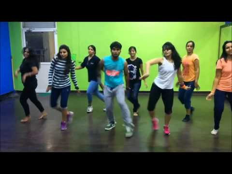 Afghan Jalebi Bollywood dance by Kunal and DFS Team dancers. Still taken from Kunal More's YouTube video.
