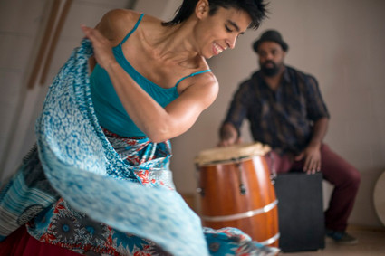 "Agua Dulce Dance Theater's ""Deep Listening"" Maps Puerto Rican History @ the Pergones T"