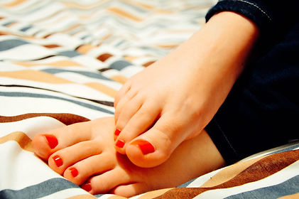 feet-931921_1920.jpg