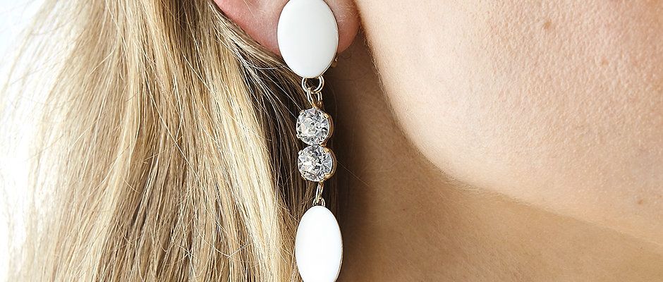 Tippy Toes Earring by Xenia Bous