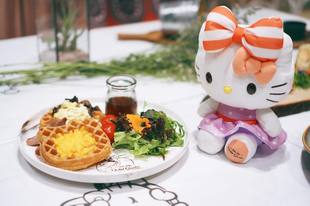 Hello Kitty Singapore 3
