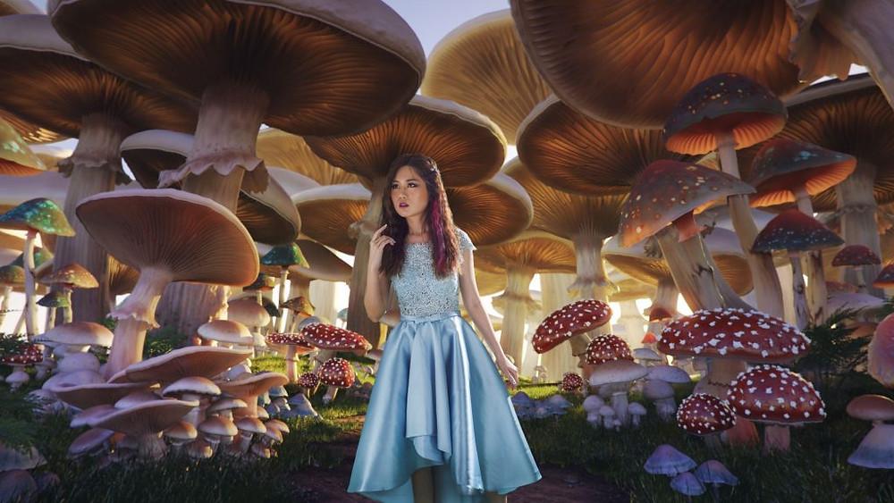 Alice In Wonderland 2016 Juliana
