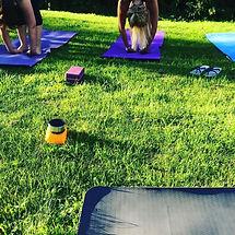 –yogadraußen