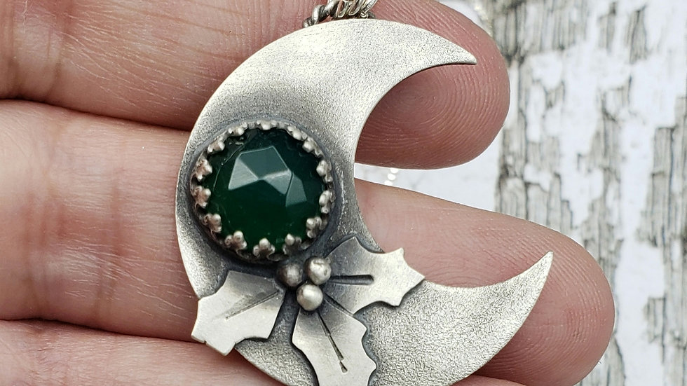 Holly moon pendant with green onyx