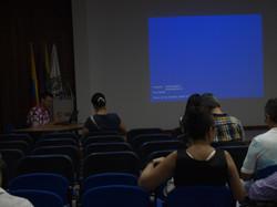 Jaime Penuela preparando presentacion Ca