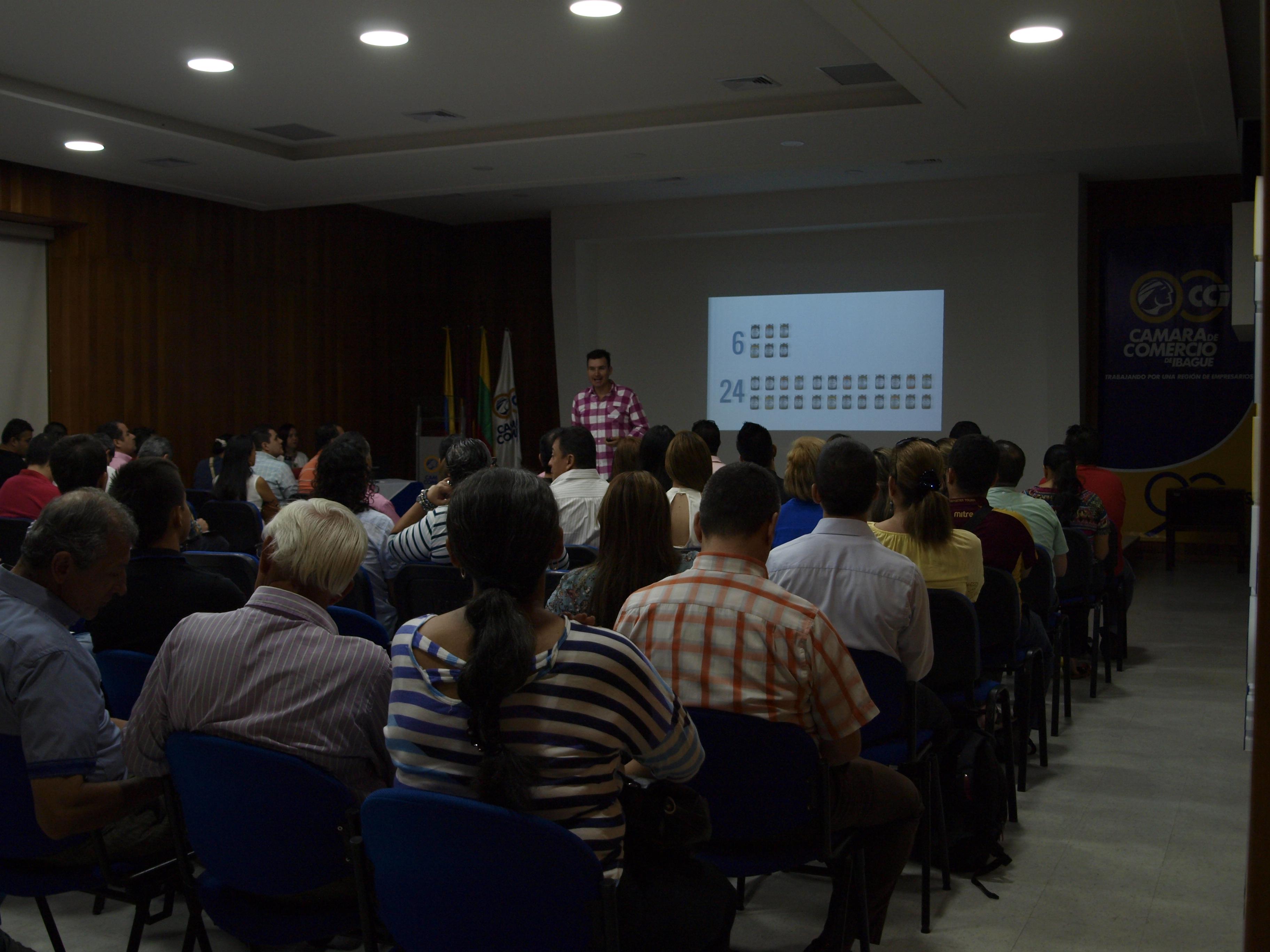 Jaime Penuela charla Camara de Comercio
