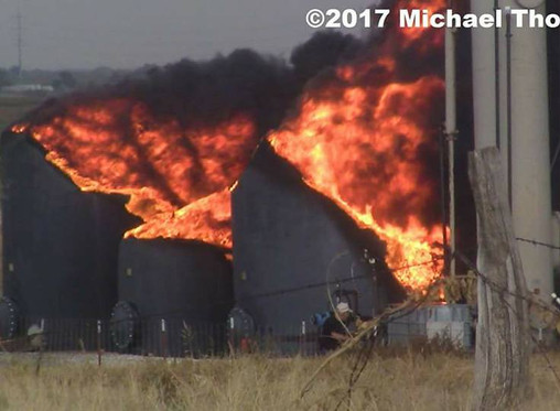 Oil explosions and lightning on the border