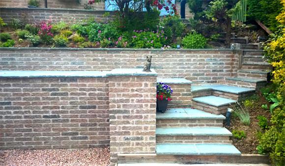 1-wall+steps.jpg