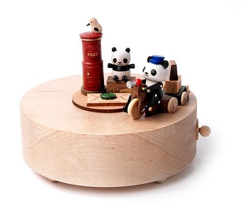 Boîte à musique Panda postier n°3