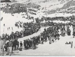 Folla all'arrivo