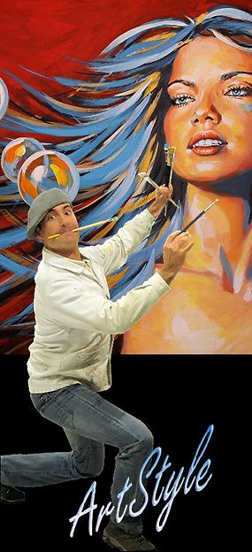 l'artiste avec ces pinceaux devant son oeuvre