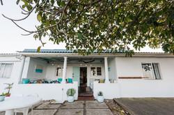 Umzumbe Surf House -Whole House Sleeps 14