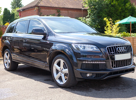 Audi Q7 receiving a Deluxe Full Valet.