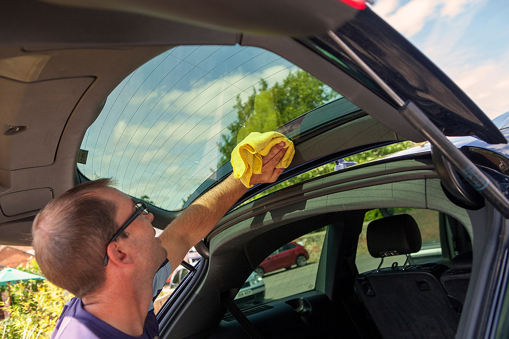 tailgate glass cleaned, window cleaner, cleaning car windows, how to clean auto windows, how to clean car windows
