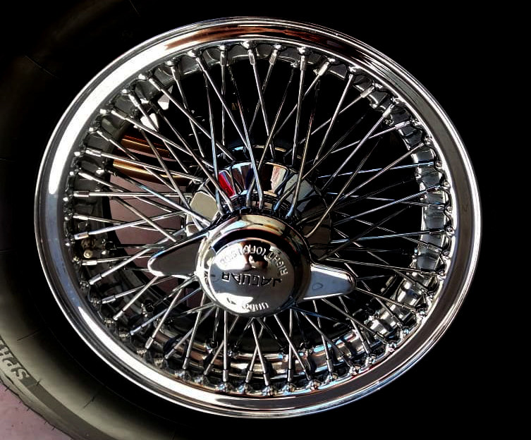 Jaguar E Type spoke wheel.jpg