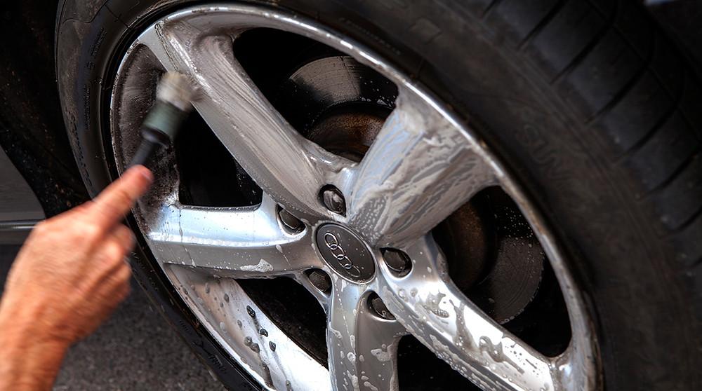 Allow wheel clean