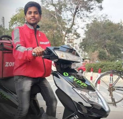 Zomato to shift entire delivery fleet to electric by 2030