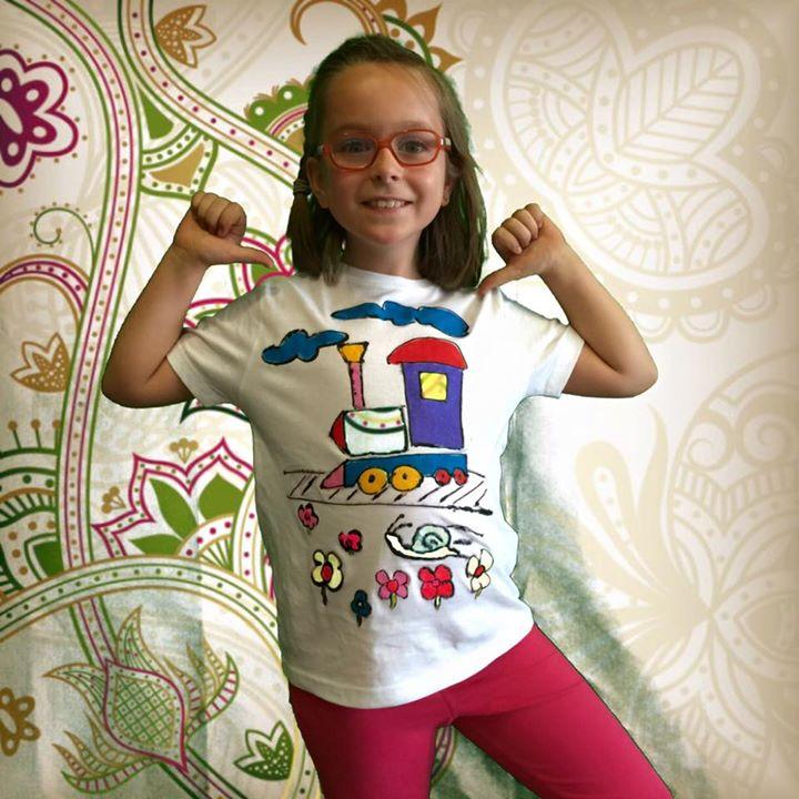 """Facebook - Camiseta diseñada y realizada por VICTORIA  en nuestro taller de """"Dis"""
