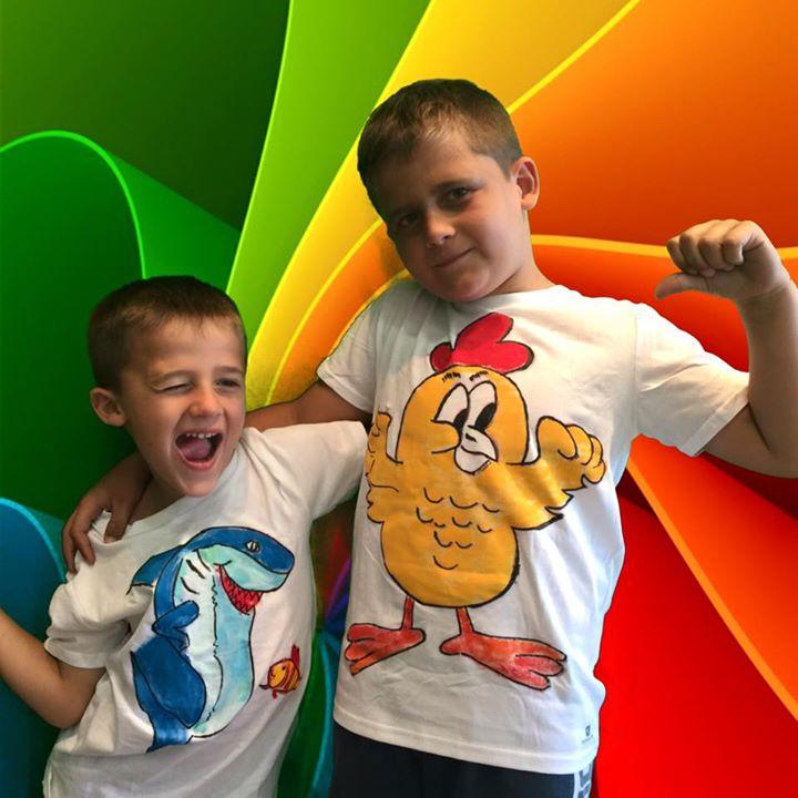 Facebook - Camisetas diseñadas  y realizadas por VALENTIN Y MARCOS en nuestro ta