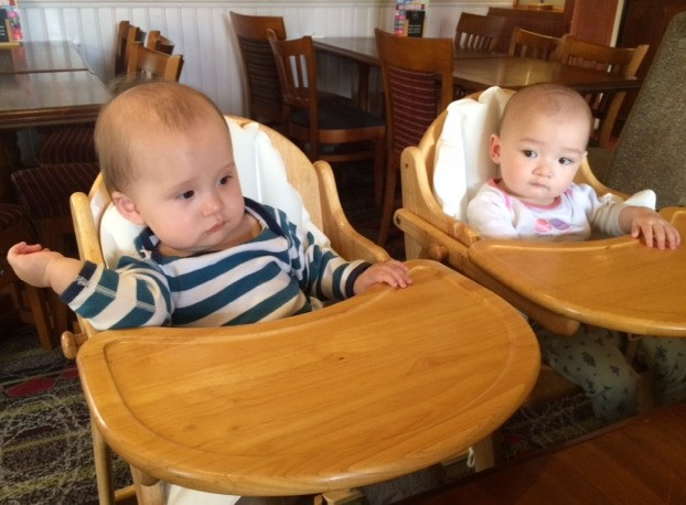 The Twins Eating Out in Restaurant High Chairs - Baby-Led Weaning for Busy Parents (BLW)