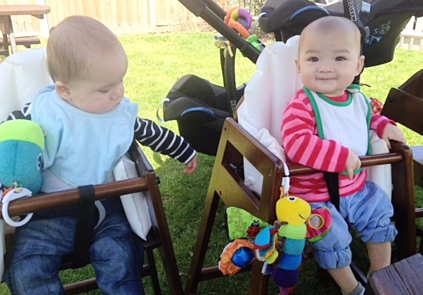 The Twins Eating Out at a Family Lunch with Friends - Baby-Led Weaning for Busy Parents (BLW)